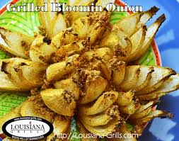 Grilled Healthy Bloomin' Onion : The Grillin' Guys